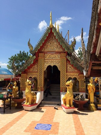 Wat Phra That Doi Kham sign - Picture of Wat Phra That Doi Kham (Temple of th...