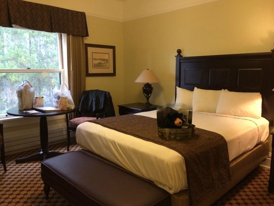 Yellowstone Hotel Rooms