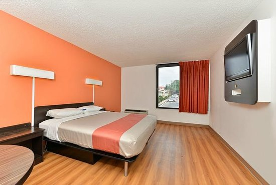 Motel 6 Ft Worth Downtown East