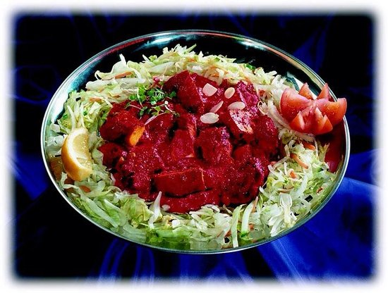 Spice Root: Marinated chicken tikka with salad