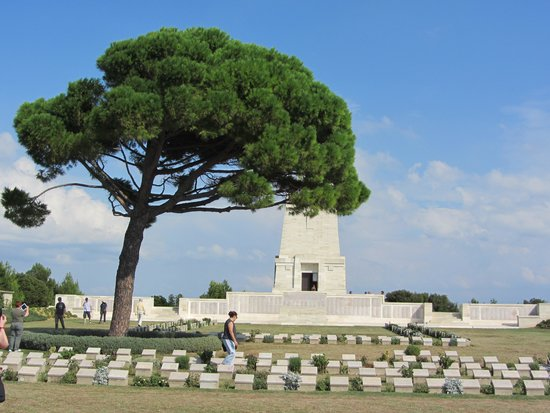Memorial tree - Picture of Gallipoli National Park ...