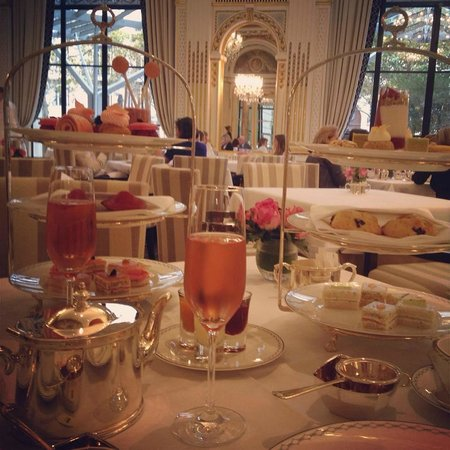 afternoon tea time picture of the lobby restaurant at the peninsula paris paris tripadvisor. Black Bedroom Furniture Sets. Home Design Ideas