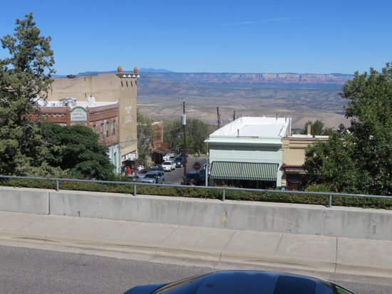 Hilltop Deli: View from outdoor seating