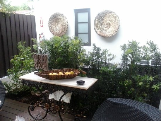 La hermosa decoracion del patio exterior picture of bars - Decoracion patio exterior ...
