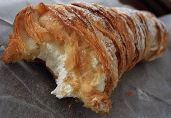 Lobster Tail Pastry - Picture of Carlo's Bakery, Las Vegas - TripAdvisor
