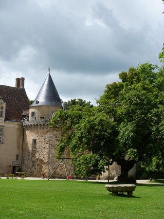 Nouic, France: The East Wing