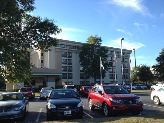 Doubletree by Hilton Augusta: Exterior