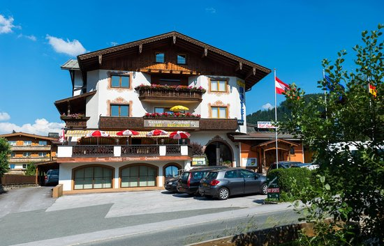 Photo of Hotel Schneeberger Niederau
