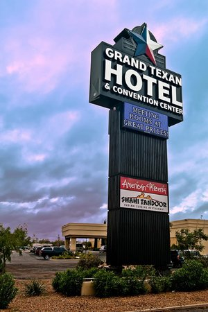 Grand Texan Hotel & Convention Center