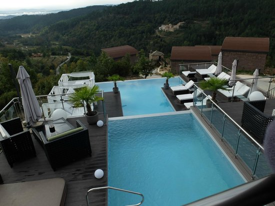 piscine d bordement 2 niveaux picture of faugeres ardeche tripadvisor. Black Bedroom Furniture Sets. Home Design Ideas