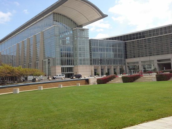 how to get to mccormick place from hyatt regency chicago