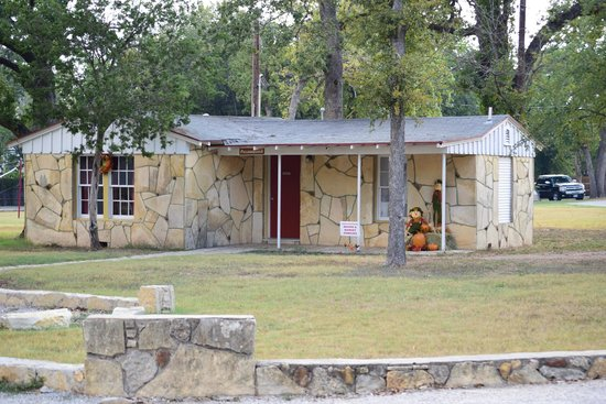 Oakdale park grnrff 5 0grnrff 5 0 for Cabins near glen rose tx