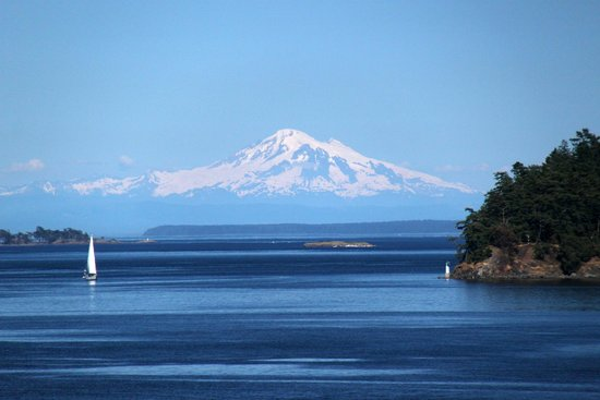 View leaving vancouver island picture of sidney for Seaview pier fishing report
