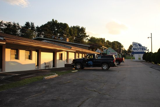 Photo of Budget Host Blue Jay Motel Salem