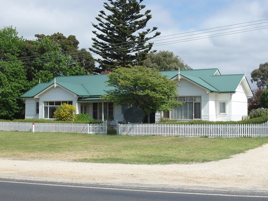 Pomora House Bed and Breakfast