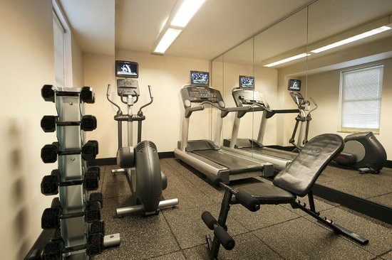 TownePlace Suites Washington Dulles Airport: Stay in shape at our 24 Hour Fitness Center.