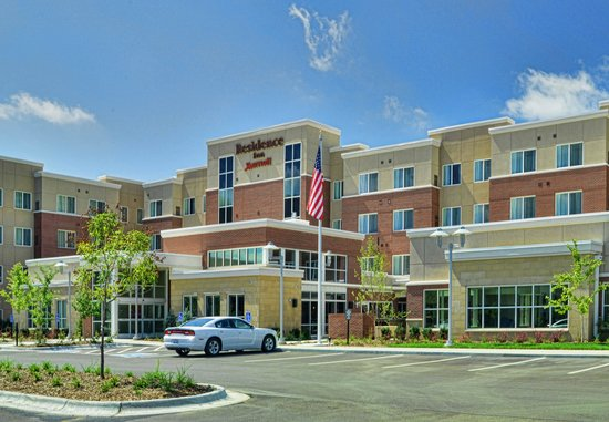 The Services & Amenities offered at Best Western Plus Kelly Inn Omaha Hotel are some of Omaha, Nebraska's finest.