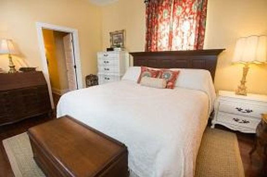 The Guest House Bed And Breakfast Gulfport Ms