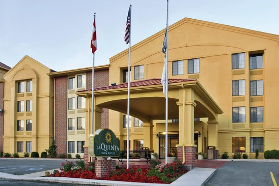 Photo of La Quinta Inn & Suites Summersville