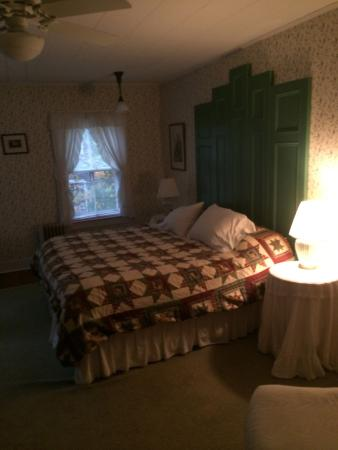 House on Chase Creek: Room #1