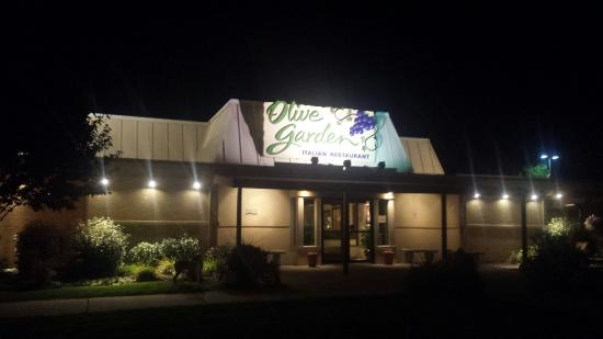 The olive garden What time does the olive garden close