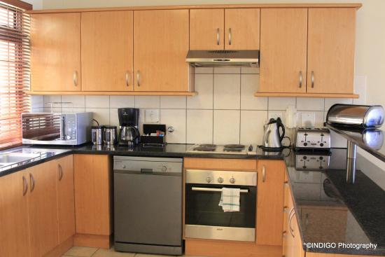 Fully fitted kitchens picture of century city cape town for Kitchens western cape
