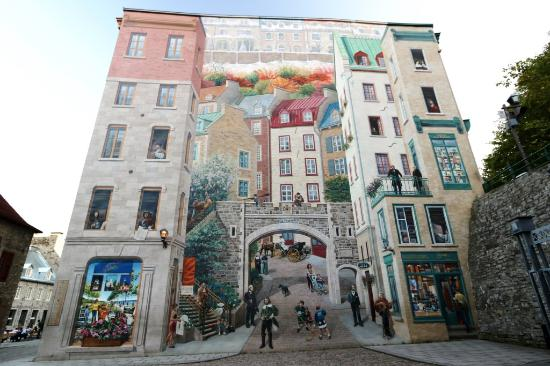 La fresque des quebecois wall mural picture of place for Mural quebec city