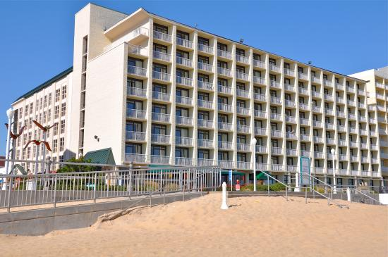 Country Inn & Suites Virginia Beach Oceanfront Photo