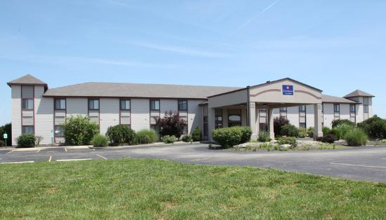 Photo of Centerstone Inn & Suites Carlyle