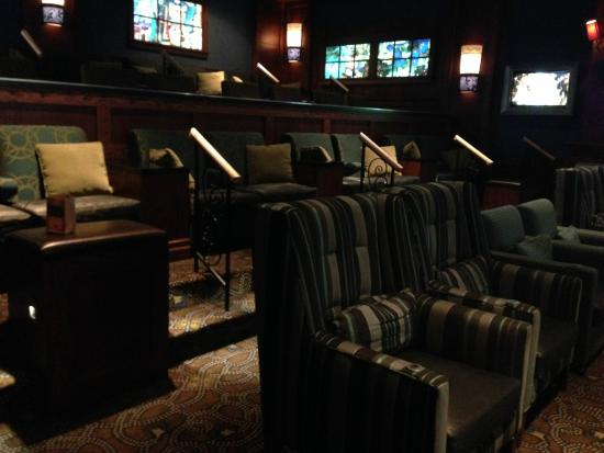 Full 360 View Of Movie Parlor As Good As It Gets Picture Of Cinetopia Van