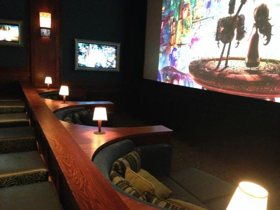 Full 360 View Of Movie Parlor As Good As It Gets Picture Of Cinetopia Vancouver Mall 23