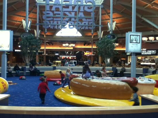Food Court Great Lakes Mall