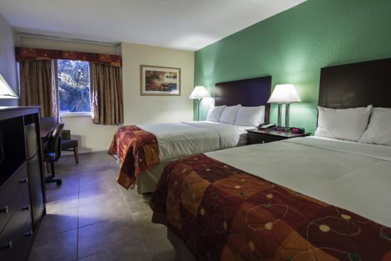 Rodeway Inn & Suites Fort Lauderdale Airport Port Everglades Cruise Port Hotel