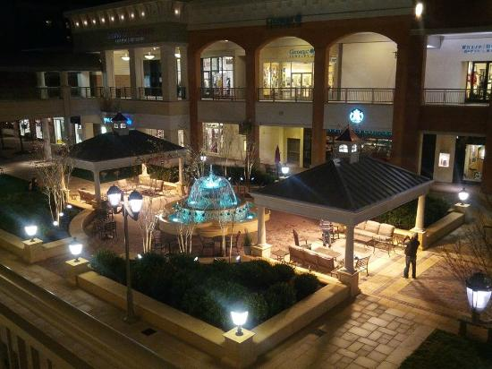 Short Pump Town Center is located in Richmond, Virginia and offers stores - Scroll down for Short Pump Town Center shopping information: store list (directory), locations, mall hours, contact and 3/5(6).