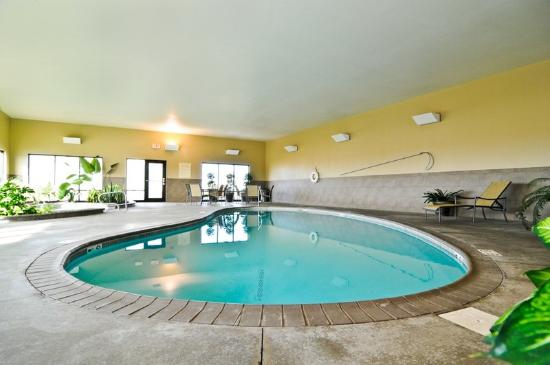 Greensburg photos featured images of greensburg ks tripadvisor for Public swimming pools kansas city