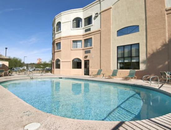 Days Inn & Suites Tucson/Marana
