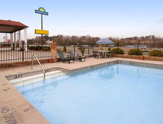 Photo of Days Inn Blue Ridge