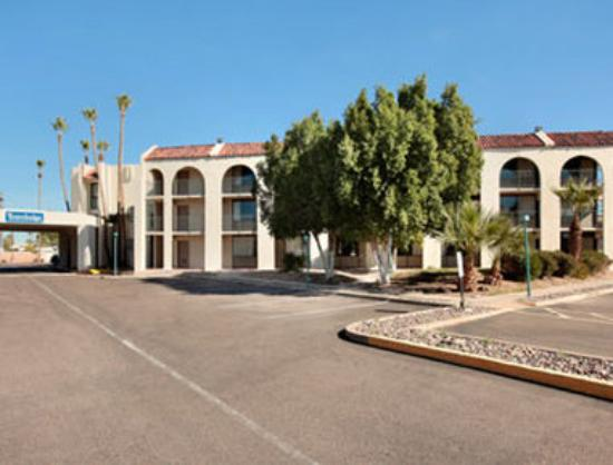 Photo of Travelodge Scottsdale AZ