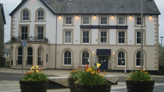 Photo of The Queen's Hotel Blaenau Ffestiniog