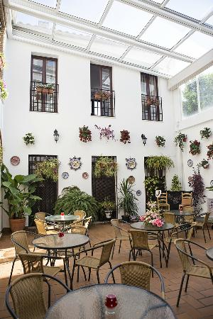 Photo of Hotel de los Faroles Córdoba