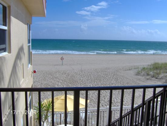 Southern Seas Resort and Hotel: Apt. 18 Balcony View
