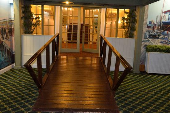 Provincetown Inn Resort & Conference Center: Entry