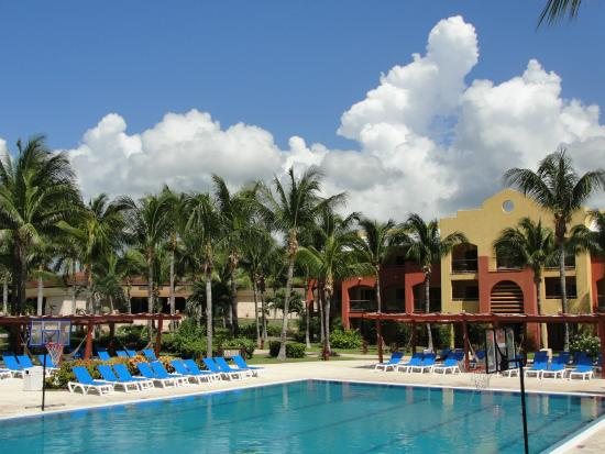 Hotel picture of barcelo maya colonial puerto aventuras for Barcelo paris hotels