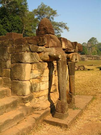 Terrace of the elephants for Terrace of the elephants