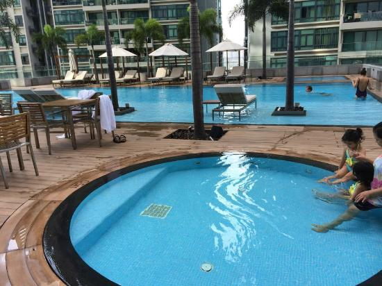 Swimming pool at 8th fl picture of oasia hotel singapore for Hotels with indoor pools in florida