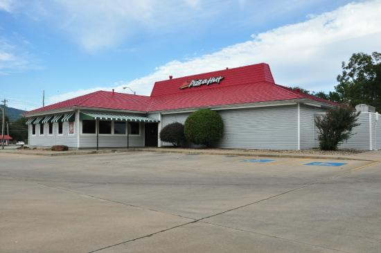 Poteau (OK) United States  city photo : Poteau, OK: The main entrance is on the side of the building, away ...