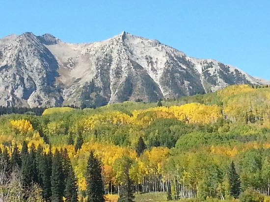 View from road near campground lake irwin picture of for Cabins near crested butte co