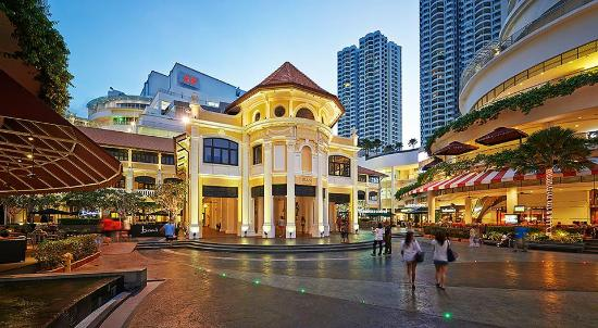 Gurney Paragon Shopping Mall