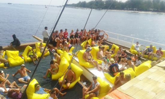 Jiggy Boat Party