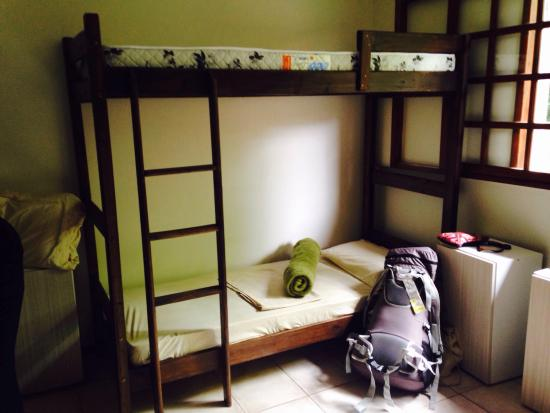 nice high bunk beds so you don 39 t bang your head picture of vintage hostel florianopolis. Black Bedroom Furniture Sets. Home Design Ideas